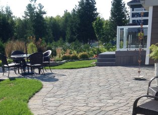 Almonte landscaping