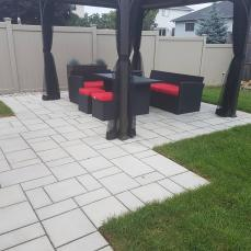 Contemporary patio using Tec